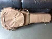 Taylor gs mini guitar case