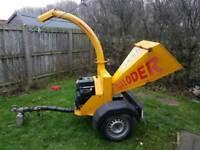 Timbwrwoolf truckloder petrol wood chipper
