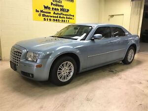 2009 Chrysler 300 Touring  Annual Clearance Sale! Windsor Region Ontario image 2
