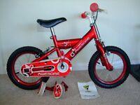 Kids Fellia red bike with detachable stabilisers