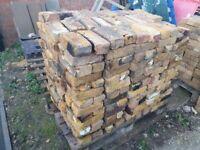 Old Yellow Stock Bricks 700 pcs