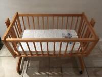 Baby balancing bed with wheels