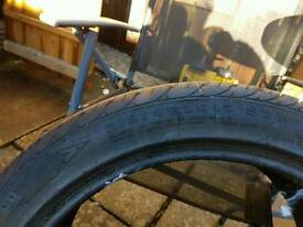 Tyre 215/45x17 like new
