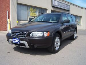 2005 Volvo XC70 2.5T AWD Leather Sunroof