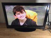 "EXCELLENT 32""TOSHIBA LCD HDTV+FREEVEIW"