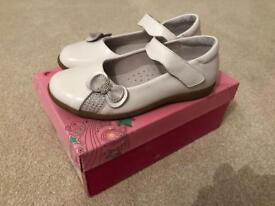 Girls Norvic 'Party' Shoes in White leather - Worn once and like new. In box. Size 32.