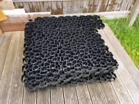 7.78m2 of gravel grids