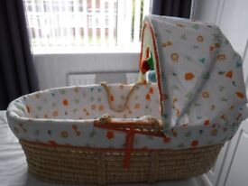 Beautiful moses basket: BNWOT includes a brand new mattres