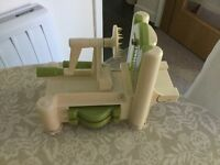 Tabletop spiraliser perfect for creating vegetable noodles, curly fries etc.