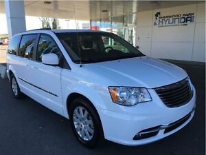 2015 Chrysler Town & Country 7 Passenger - Backup Camera