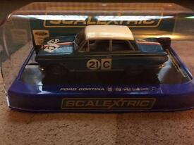 Scalextric C3670 Ford Cortina GT