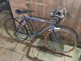 Marlboro Cavalier Gents Racer. Serviced, Free Lock, Lights, Delivery
