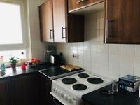 1 bedroom flat, Broomhill to swap for 1/2 bedroom