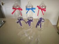 6 SWEET JARS WITH RIBBONS & 4 SCOOPS FOR PARTIES WEDDINGS