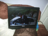 Okishi tv/dvd, Okishi tv with integrated dvd player, Model NE19FD and remote