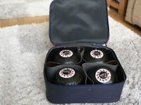 Bowls Henselite Size 3 Super-grip Set of 4 Also a bag and bowls carrier