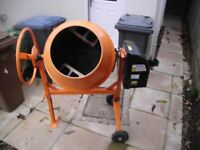 FoxHunter 140L electric concrete mixer in good working order