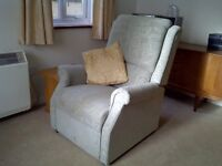 Used Electric Riser/Recliner Arm Chair