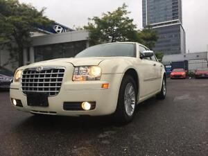 2010 Chrysler 300 Touring, 3.5L, V6, Leather, Roof, Heated Seats