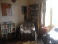 Cosy room with great views close to the Meadows - short term