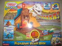 Take-n-Play Thomas The Tank Engine & Friends Roaring Dino Run Railway Track Set-NEW