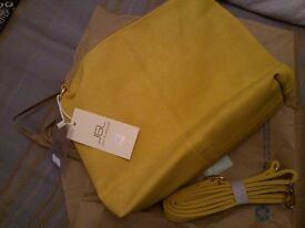Quality autumn ocher yellow JGL Italian shoulder bag, brand new with label
