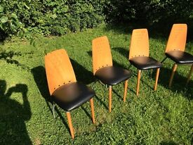 Set of 4 kitchen type chairs
