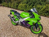 Kawasaki Ninja ZX9R-Green and Purple-New MOT-22000KM-GREAT CONDITION-Only £2200!