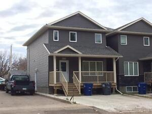Sutherland - 4 Bedroom Semi-Detached House! Great Location!