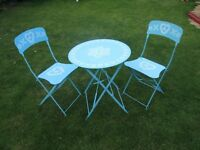 Attractive, Folding, Patio Bistro Table and 2 Chairs, Beautiful Condition. Blue and White.