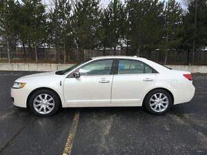 2012 Lincoln MKZ AWD/NAVIGATION/HEATED&COOLED LEATHER