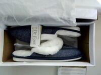 Ladies Brand New Slippers. Size 4 In Box