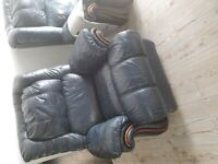 3 seater and 1 seater reclinung sofa