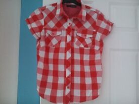 Womens clothing (casual) Size 10/12. will split