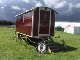 Classic Red and Cream Living Wagon/Shepherds Hut