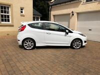Ford Fiesta ecoboost Zetec S (123BHP). 3dr in white. Excellent Condition. Lady owner.