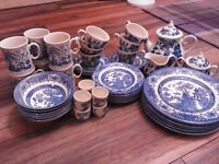 Vintage blue willow style dinner set