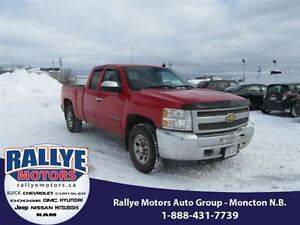 2013 Chevrolet Silverado 1500 LS! 4x4! ONLY 41K! Hitch! Alloy! S