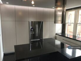 4 bedroom flat in Avenue Mansions, London, NW3 (4 bed) (#1140861)