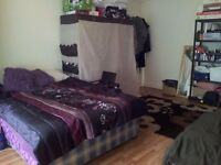 Big double room to rent - 5 minutes from Acton Town