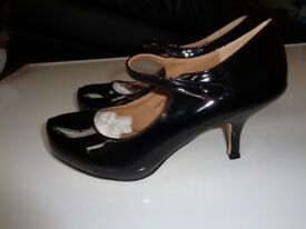 brand new shoes size 8