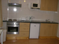 099T-BARONS COURT-MODERN DOUBLE STUDIO FLAT, FULLY FURNISHED, BILLS INCLUDED, MUST SEE- £240 WEEK