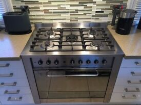 Indesit Range Gas cooker