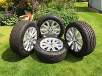 """Range Rover 20"""" set of 4 alloys and tyres"""