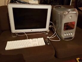 Apple M8570 Power Mac G4 Desktop With Screen, mouse and keyboard