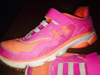 Under Armour - girls size 2 - great condition shoes!