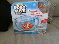 ROBOTIC FISH IN BOWL NEW