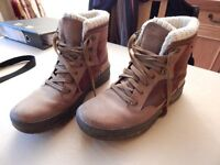 Mens Nevica Snow Boots Size 8