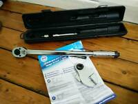 Silverneck torque wrench 28-210Nm and adjustable spanner attachment