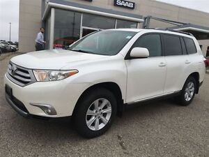 2012 Toyota Highlander V6 AWD 7 PASSENGER Kitchener / Waterloo Kitchener Area image 2